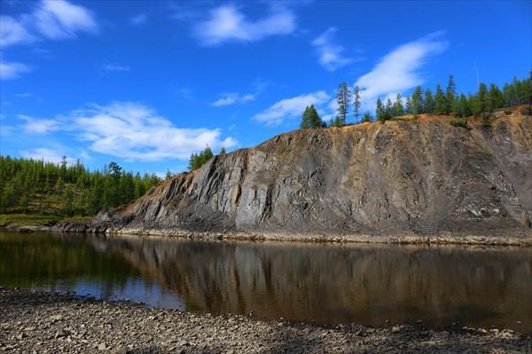 Скалы на реке Нельгесе